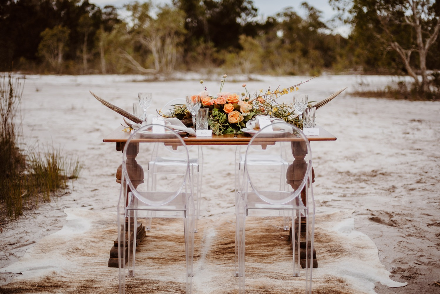 Natural wedding table decor