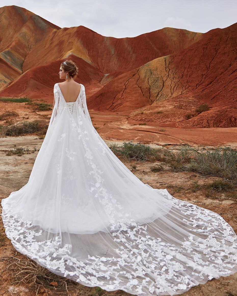 10 Of The Most Stunning Wedding Dresses Under $1000