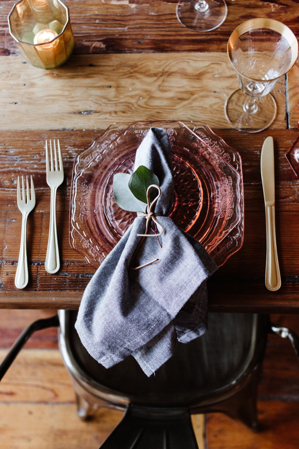 Rustic chic reception place setting