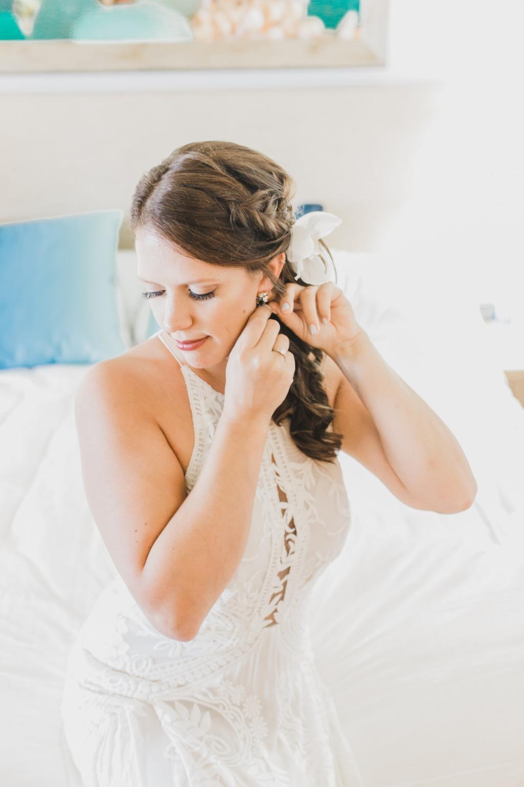 Getting ready shots are such an important part of your wedding day! Don't forget to document them!