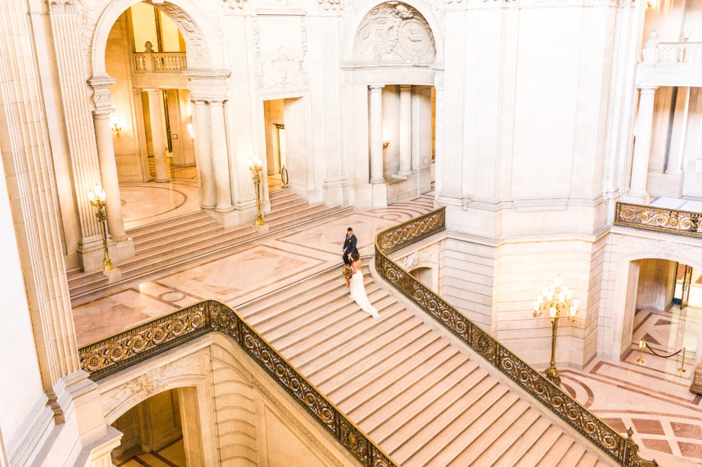 San Francisco City Hall is one of the most gorgeous wedding venues!!!