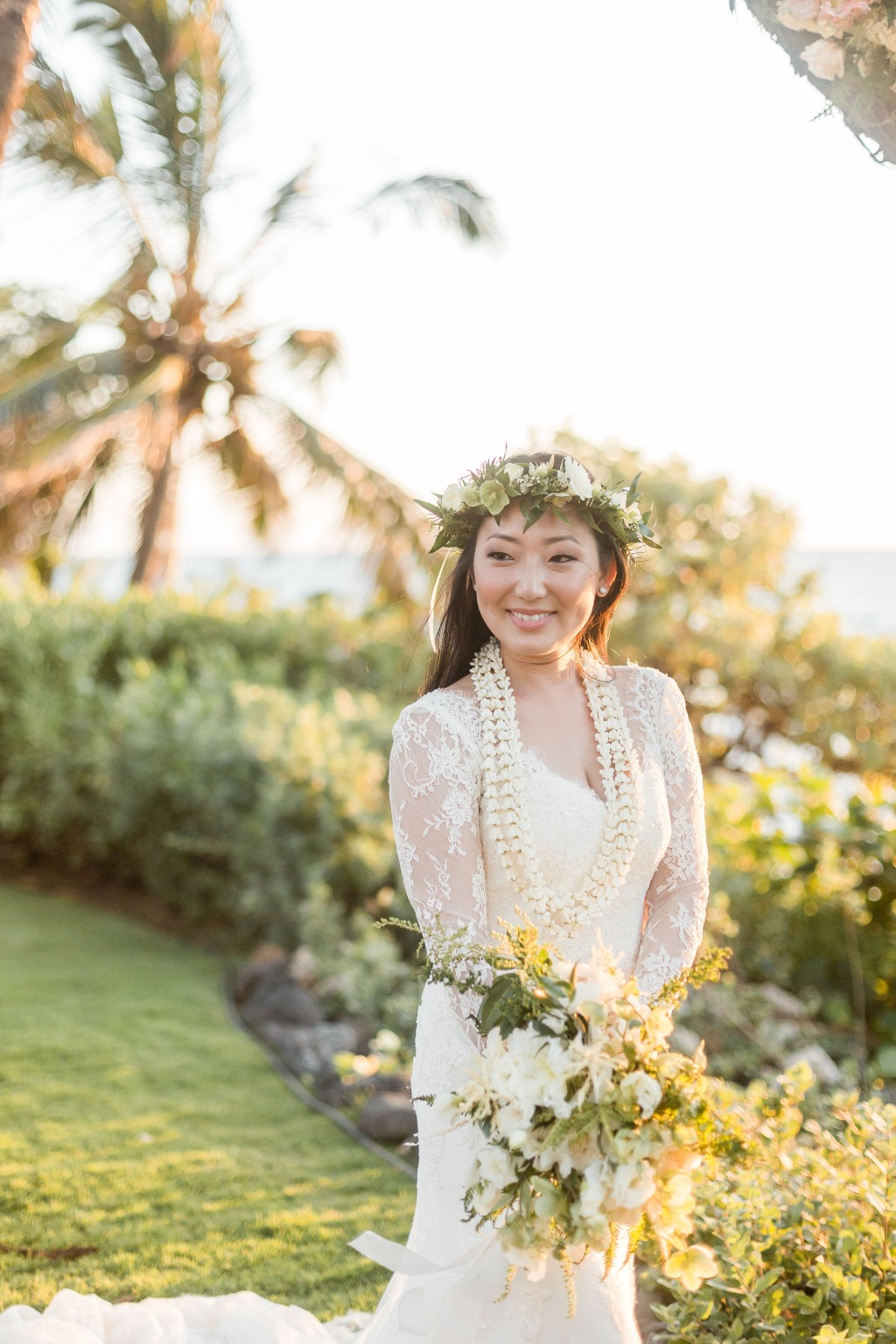 Maui Wedding Photographer | Maui Weddings | Tropical Chic Hawaiian Wedding on Maui, Hawaii by Caitlin Cathey Photography | Maui Wedding