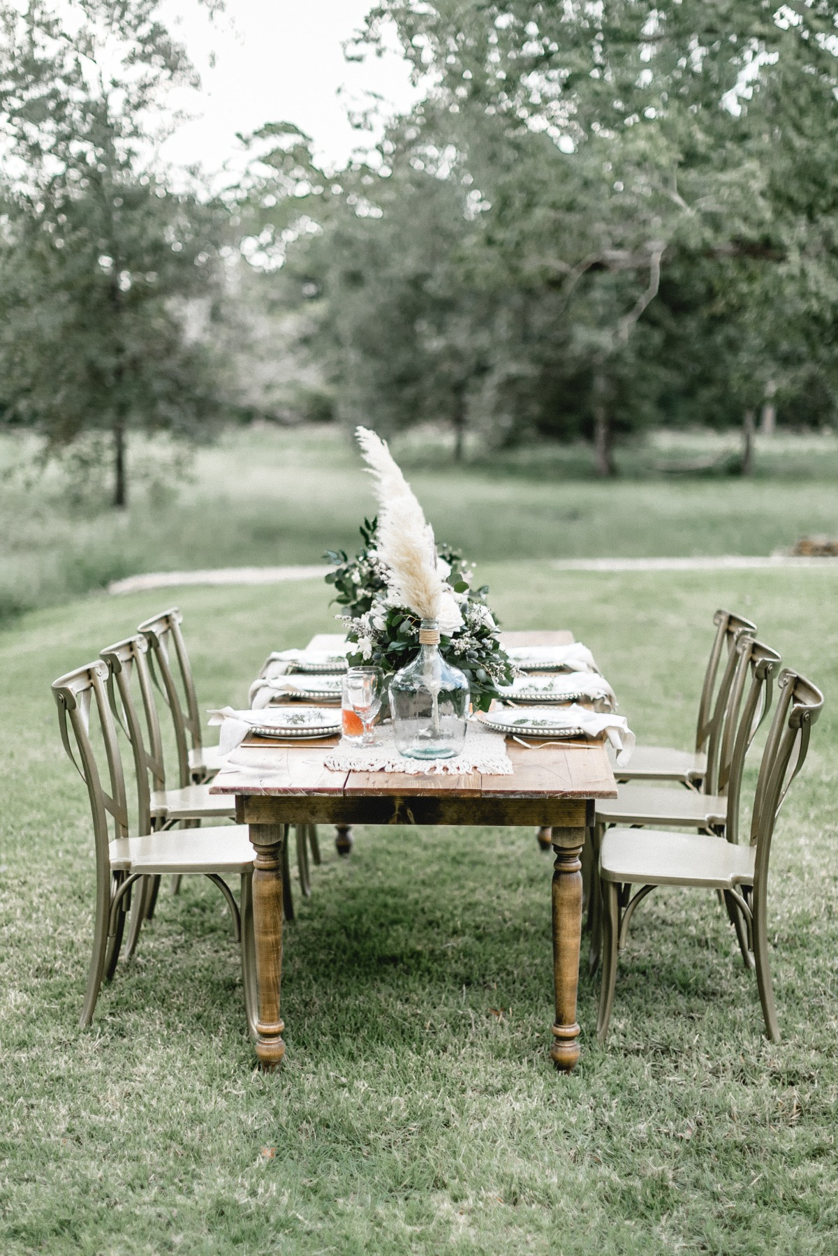 outdoor boho inspired wedding table