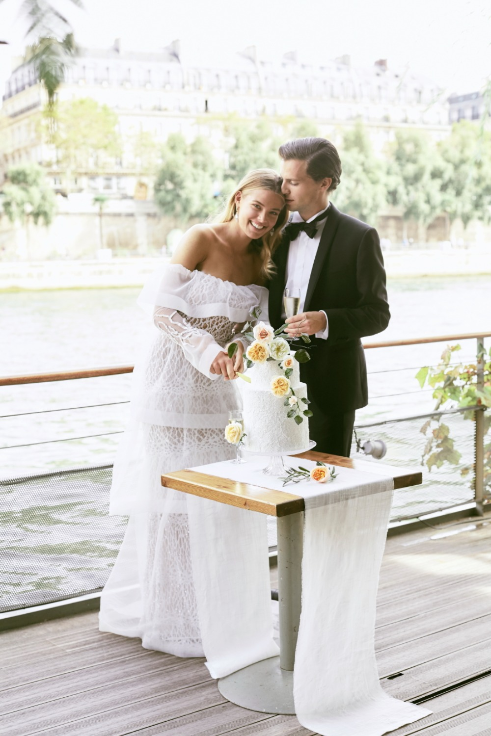 Romantic wedding inspo in Paris