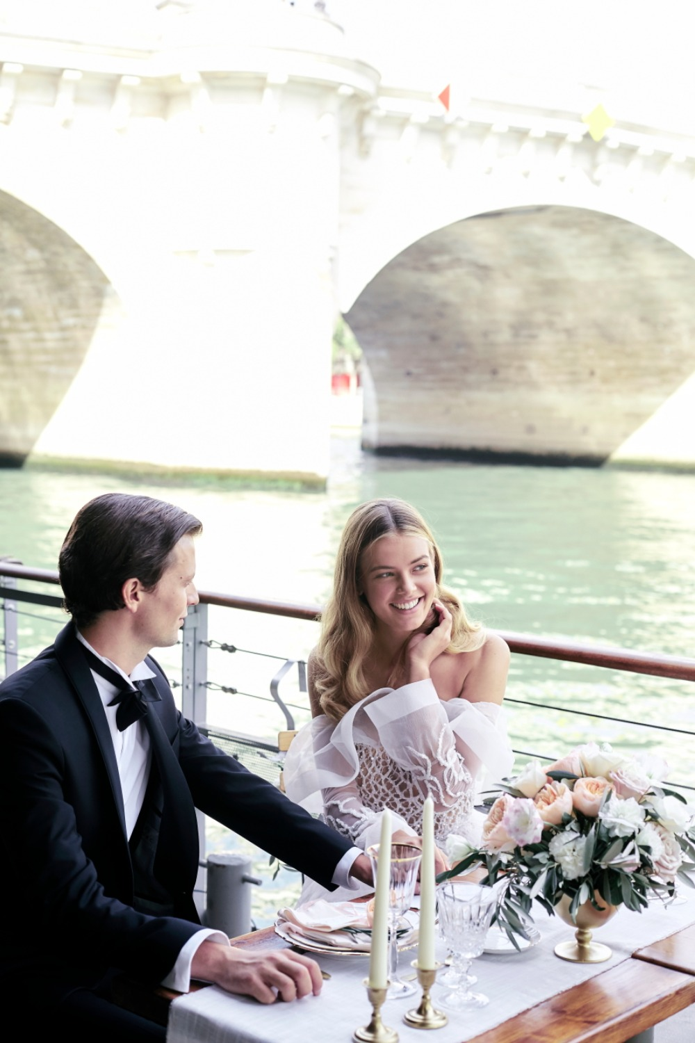 Romantic elopement ideas in Paris