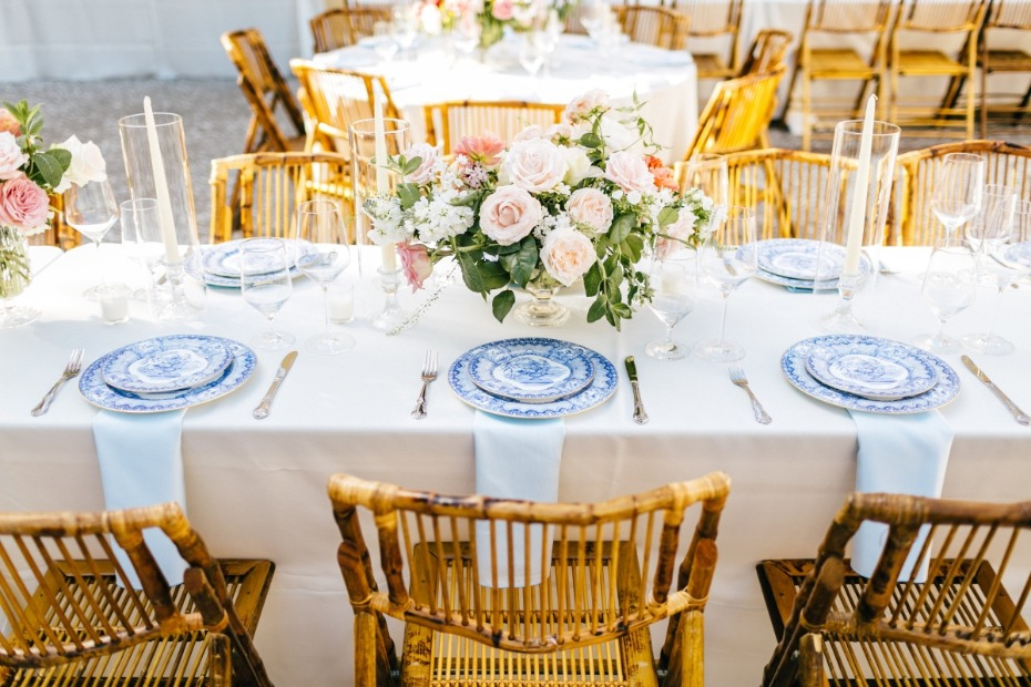 Simple and chic tablescape