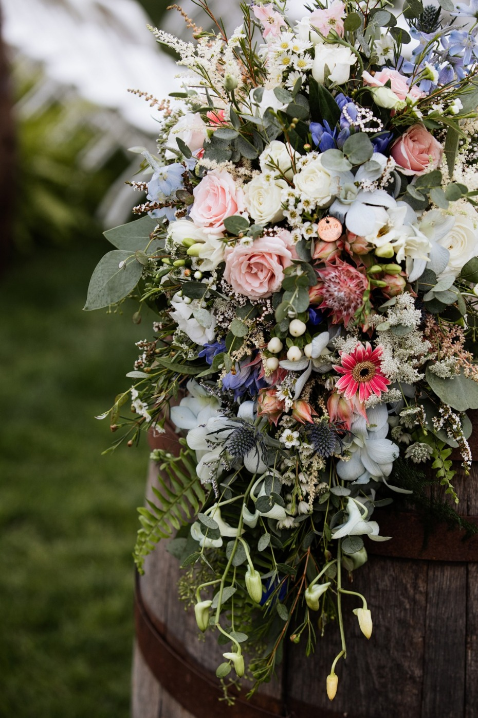 blue and pink wedding flowers