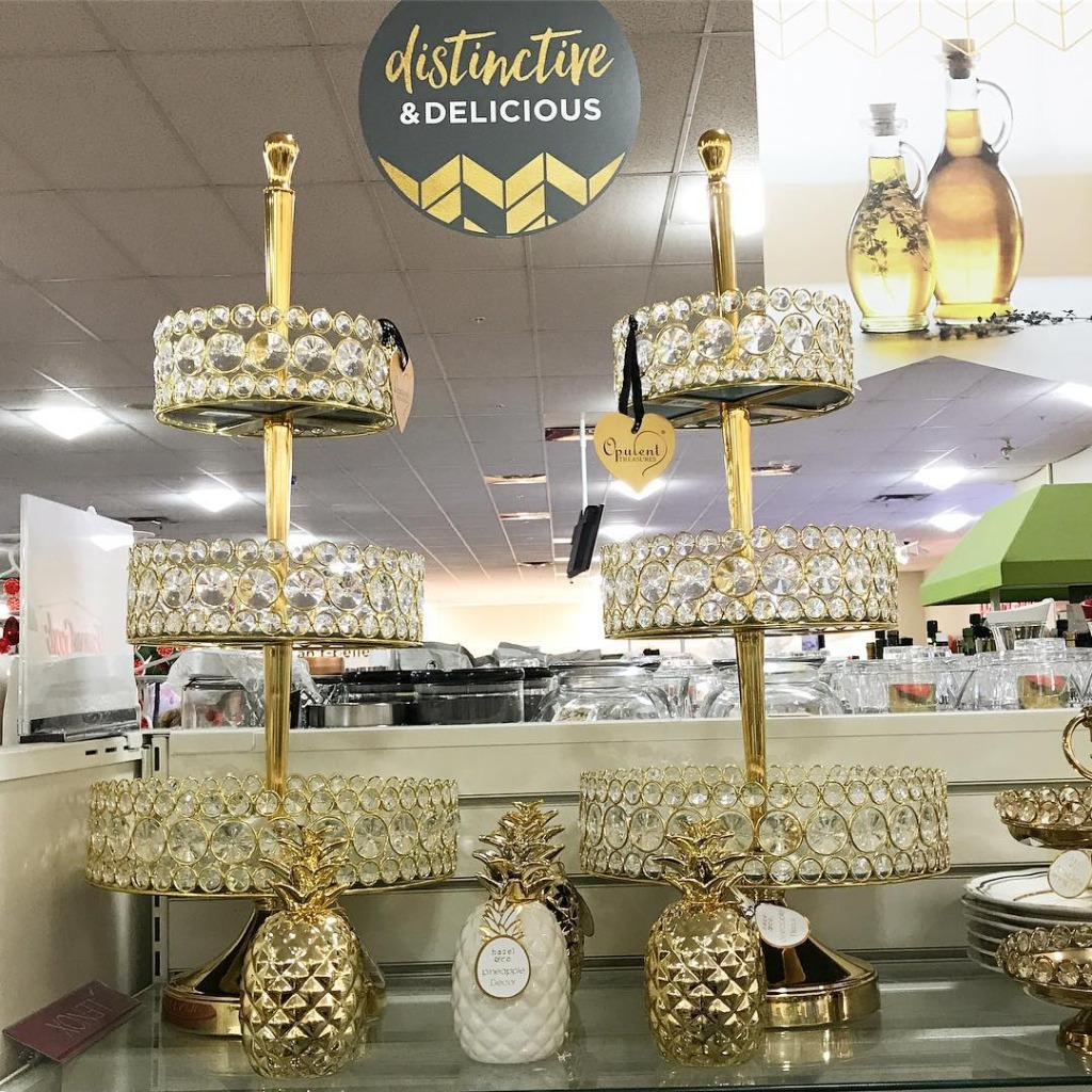 HomeGoods and Opulent Treasures for the DIY Bride on a budget! Opulent Treasures is a trademarked brand of entertaining pieces that