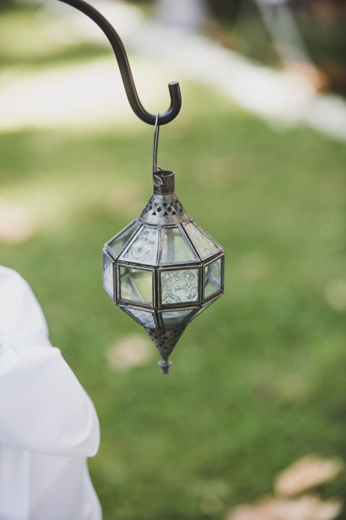 lantern lined wedding aisle