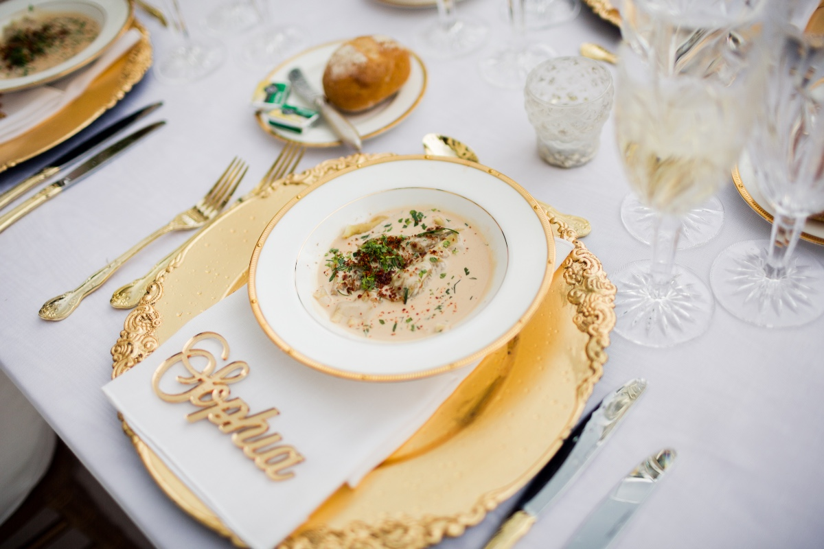 royal style gold wedding place setting