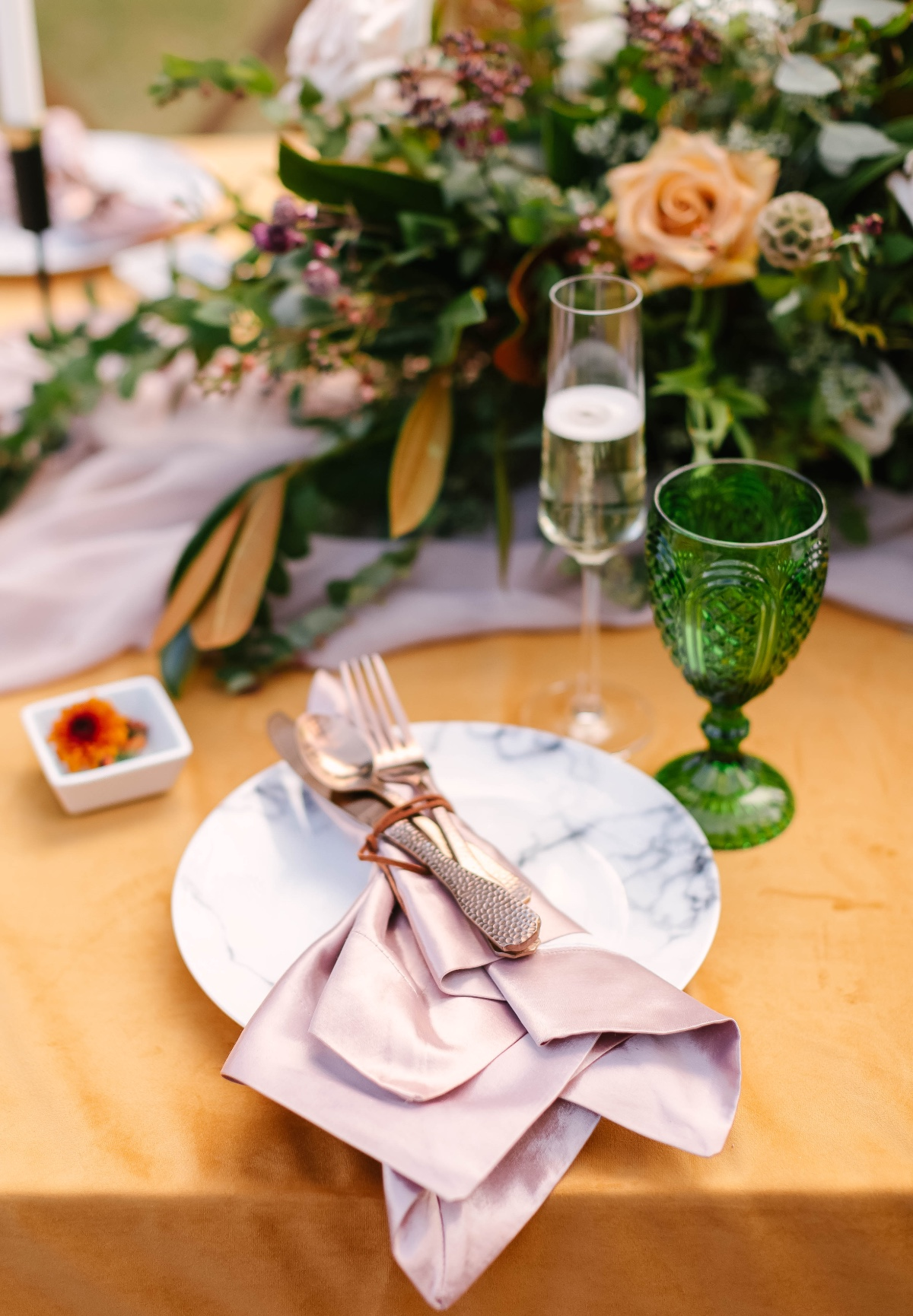 blush and marble wedding table