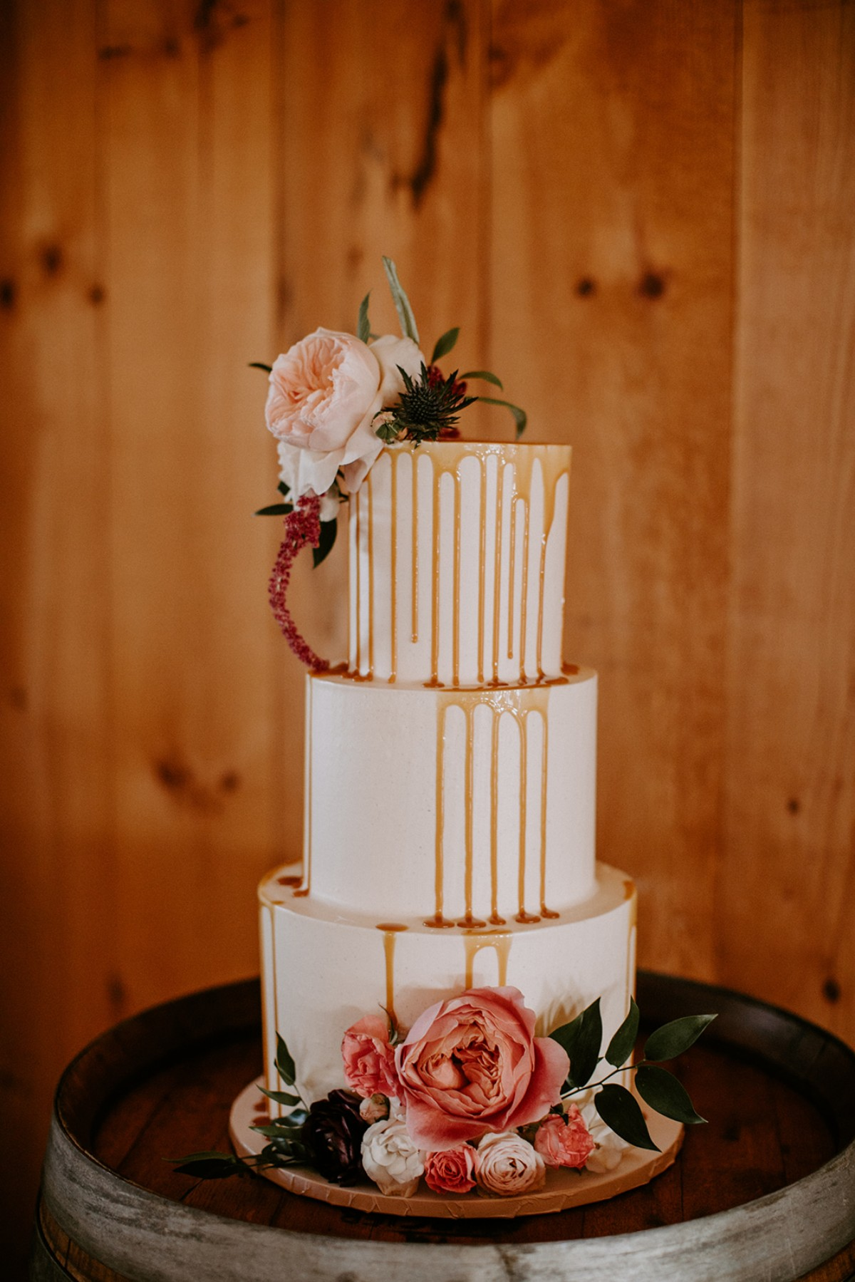 Drizzle wedding cake