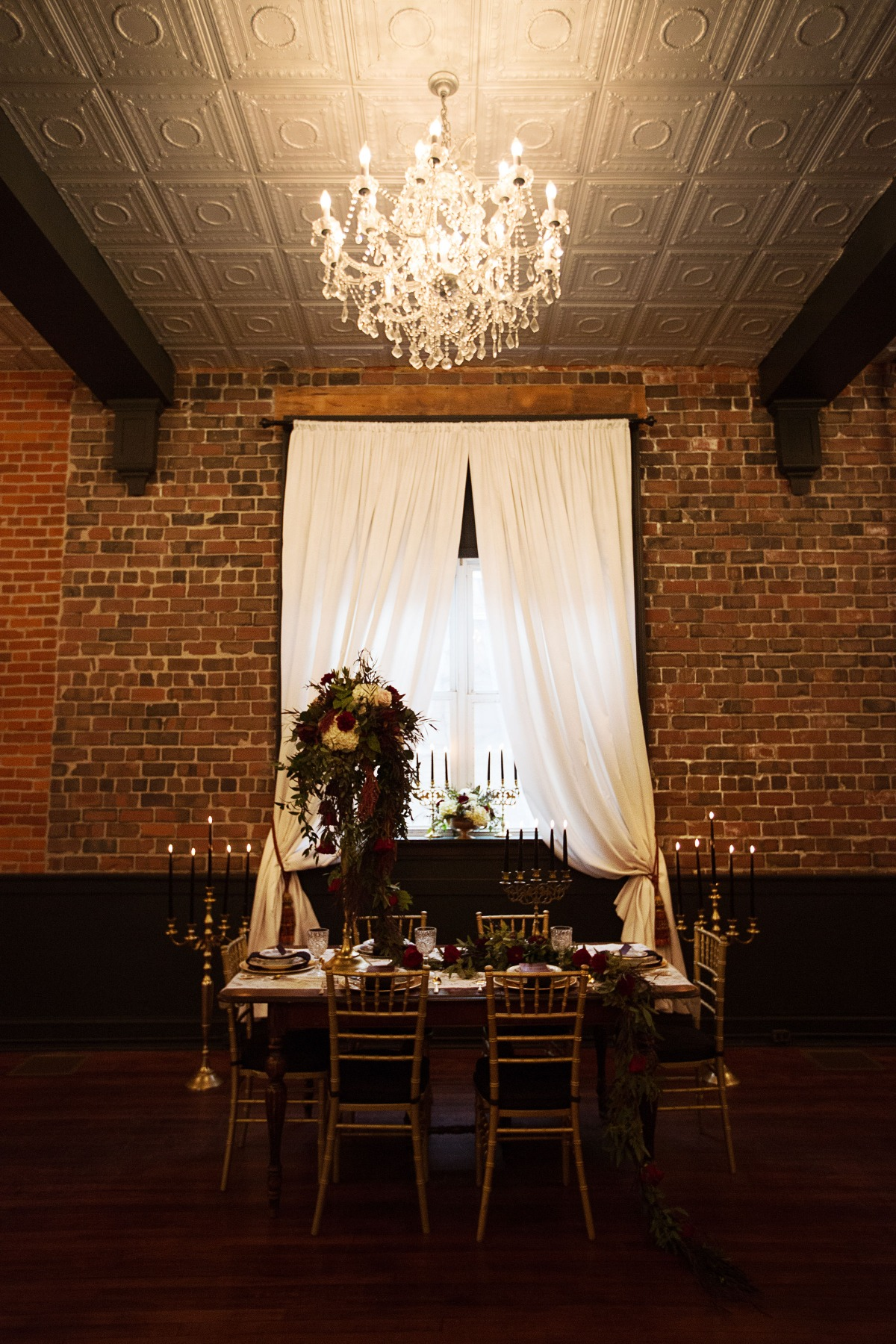 intimate wedding for the winter season