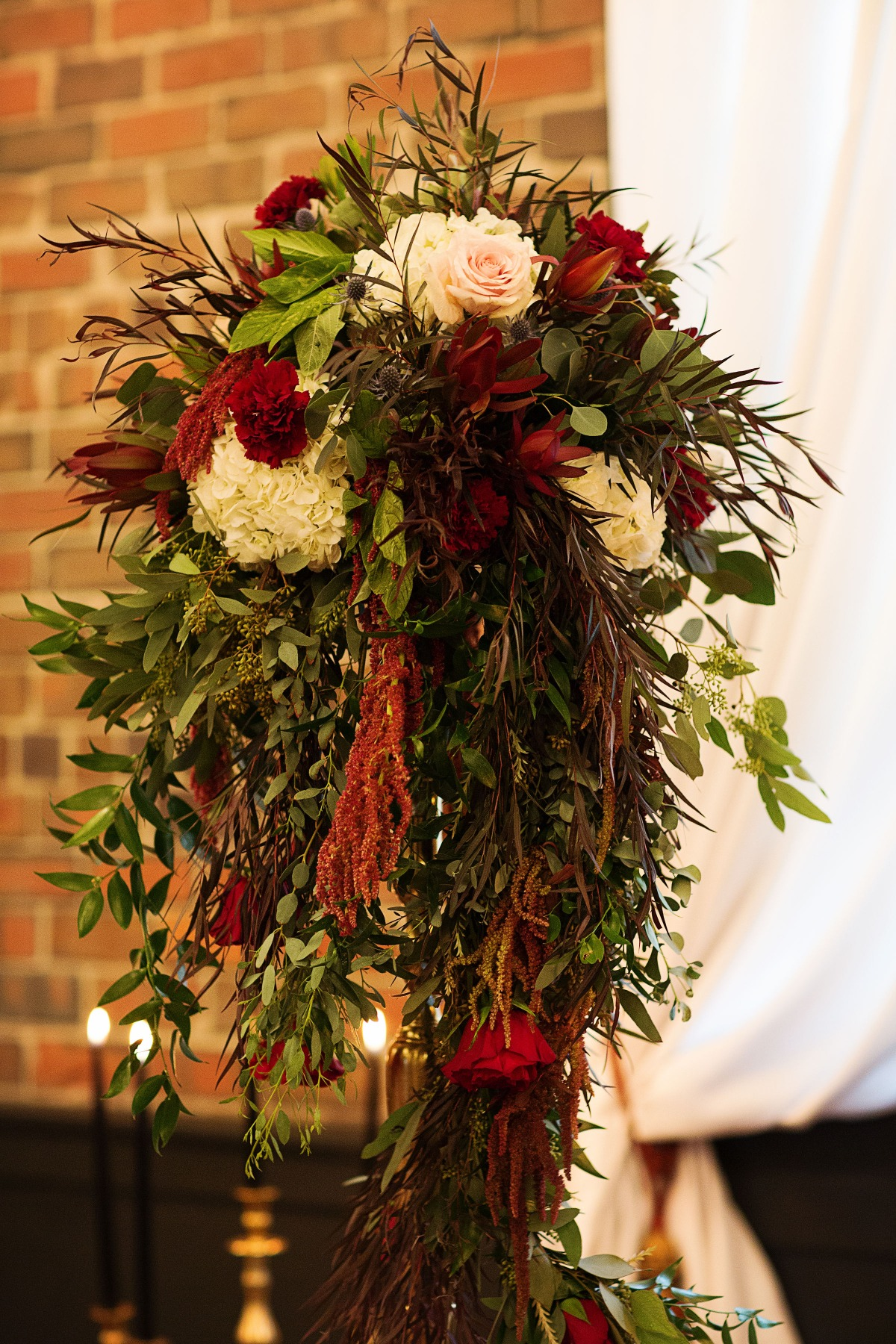 winter season wedding floral decor