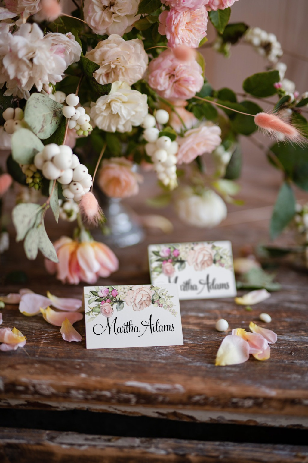 place cards with roses