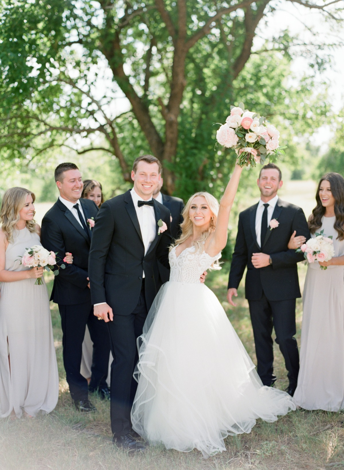 Gorgeous white barn wedding in Texas