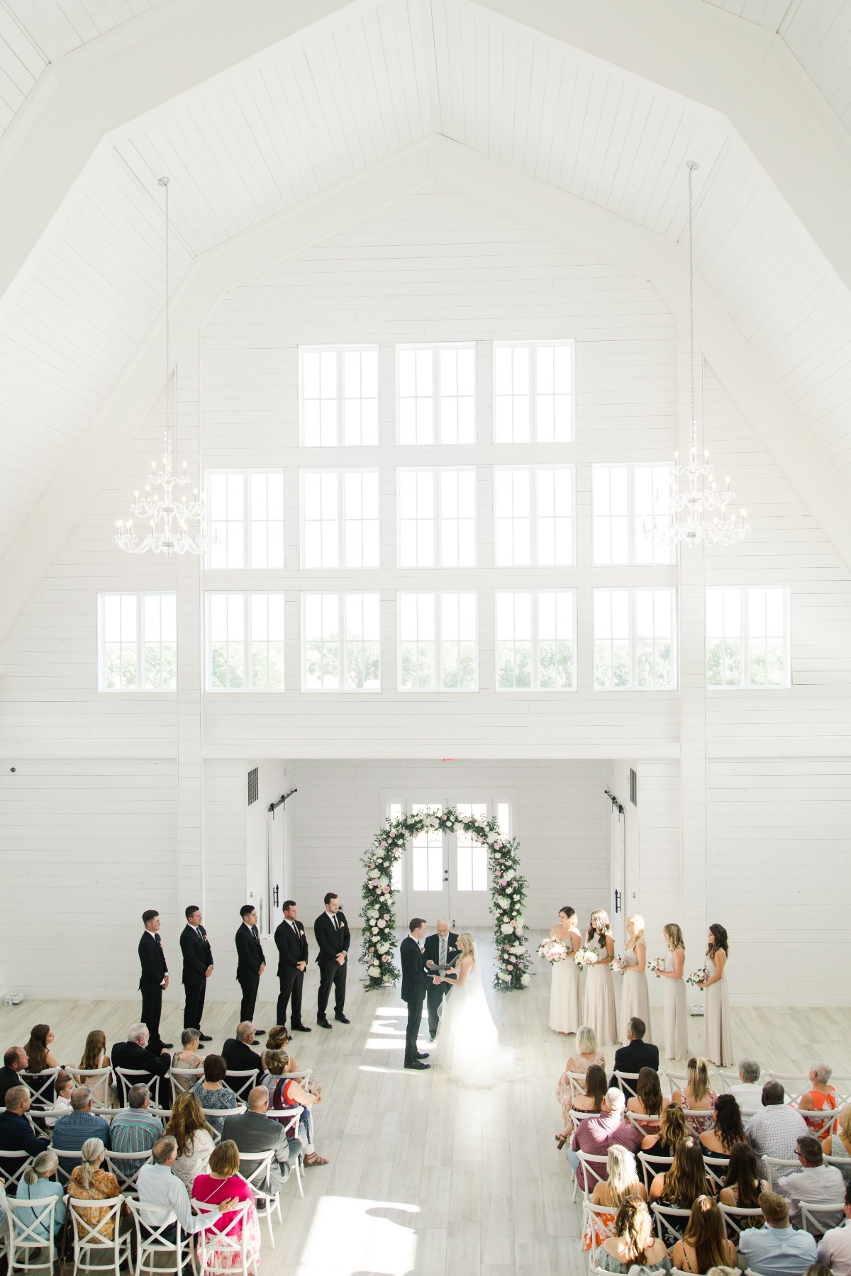 Airy white barn wedding in Texas