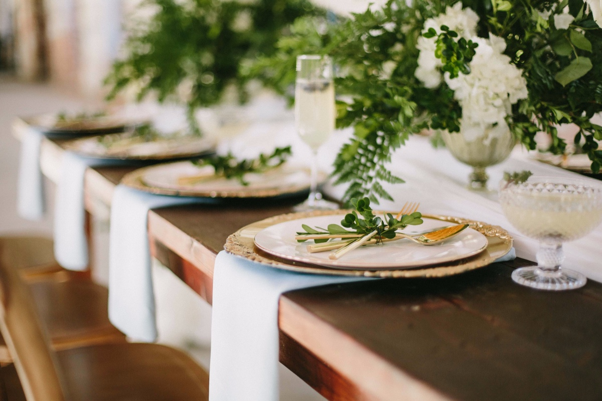 elegant summer time reception table