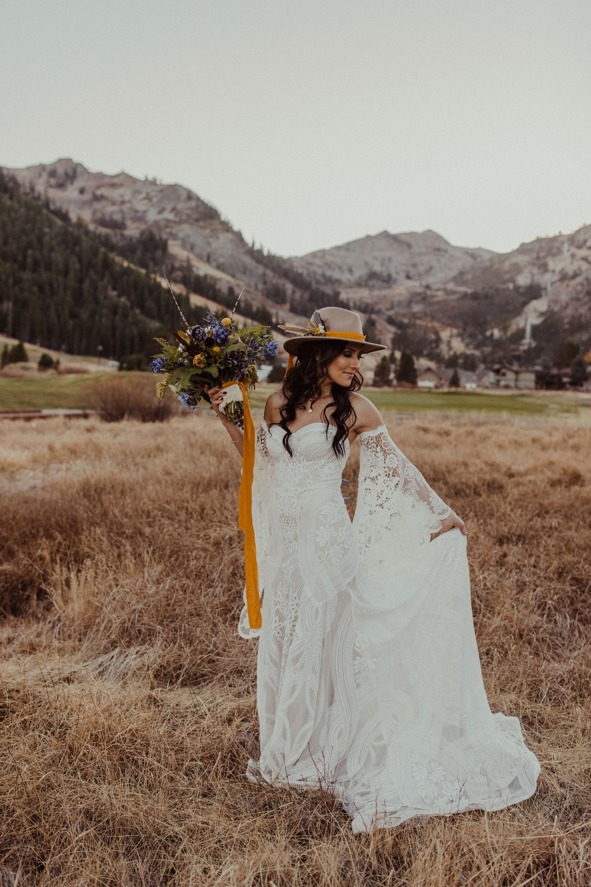 The Bachelorette Becca Kufrin & Garrett Yrigoyen Wedding Inspiration