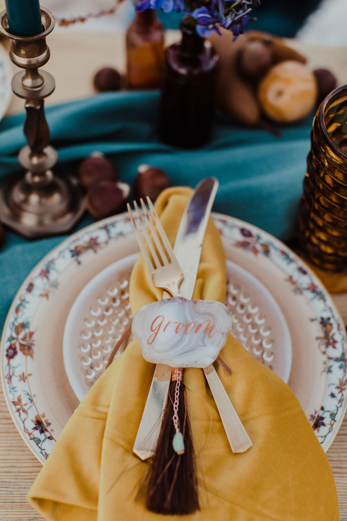 Boho fall wedding table Becca Kufrin & Garrett Yrigoyen