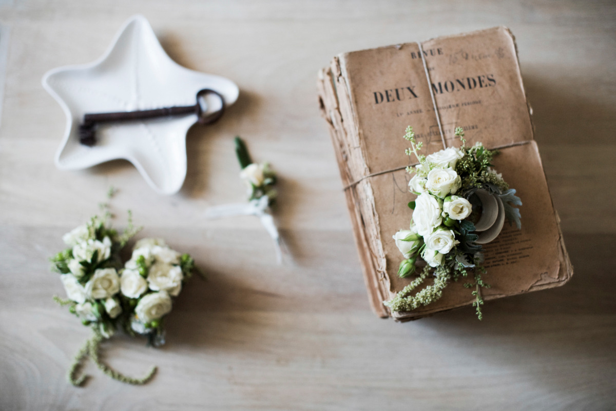 delicate wedding florals