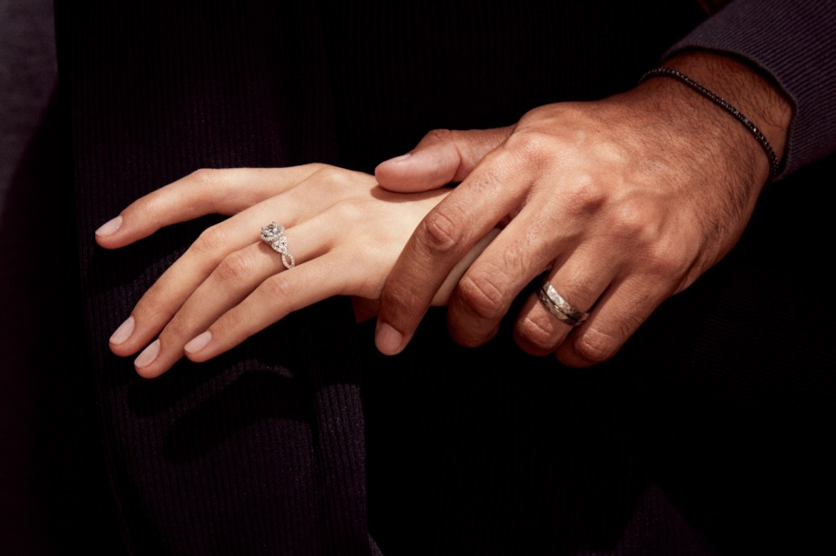 Simon G. Committed Campaign Jewelry Wedding Bands