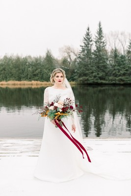 Boho Romance Winter Wedding Inspiration in Blush and Red