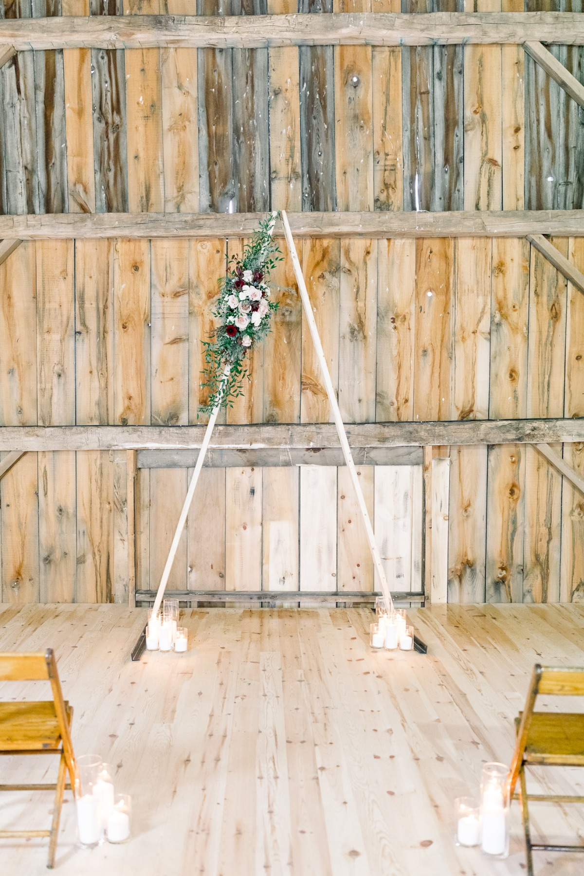 Triangle wedding arbor