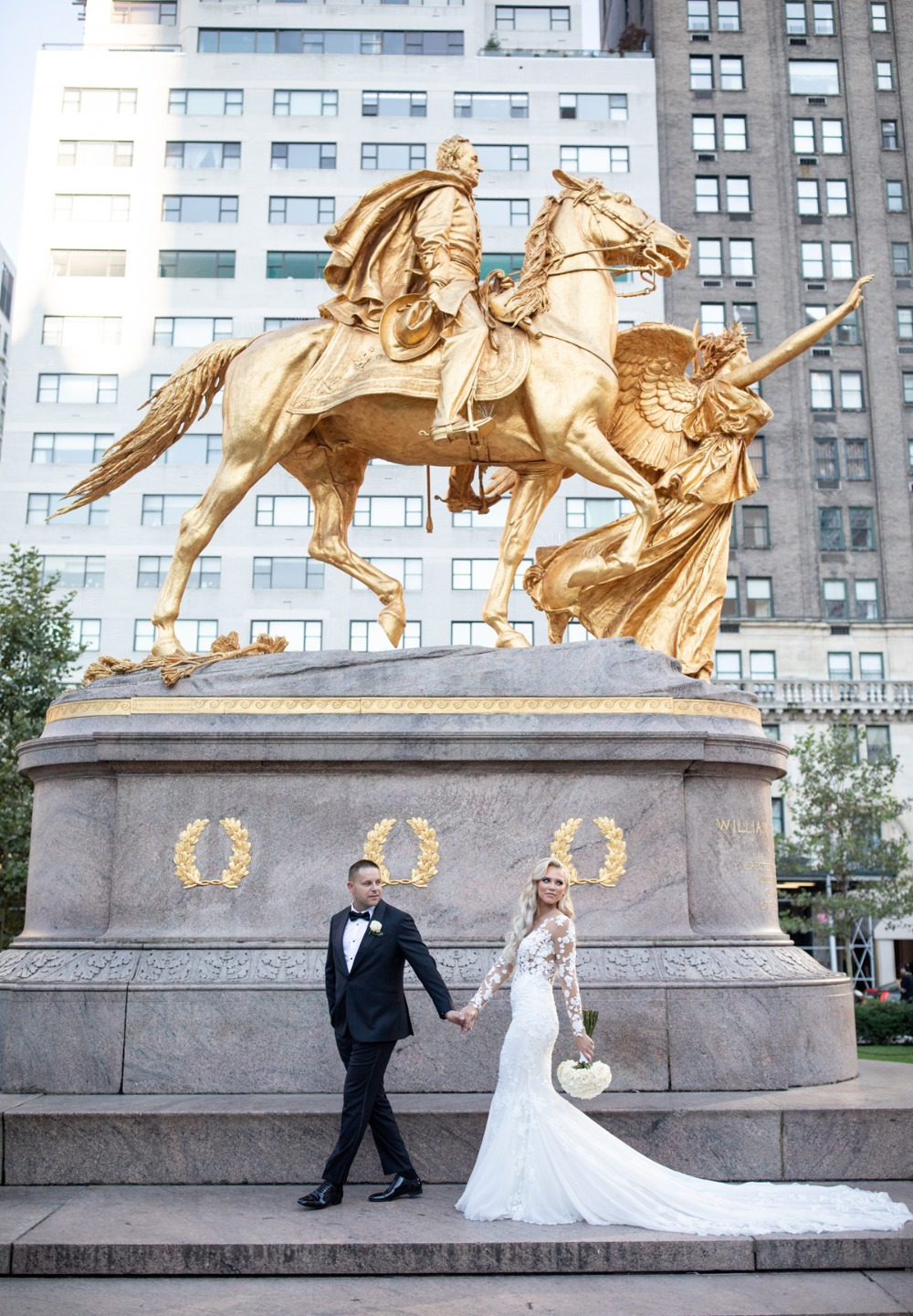 This Gold Black And White Wedding Is Stunning To The Max