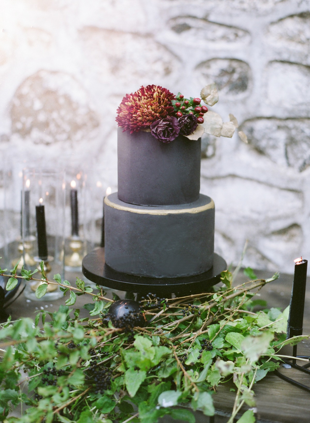 dark grey modern wedding cake