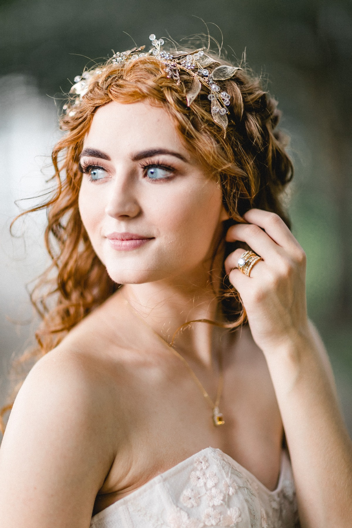 curly long haired wedding look