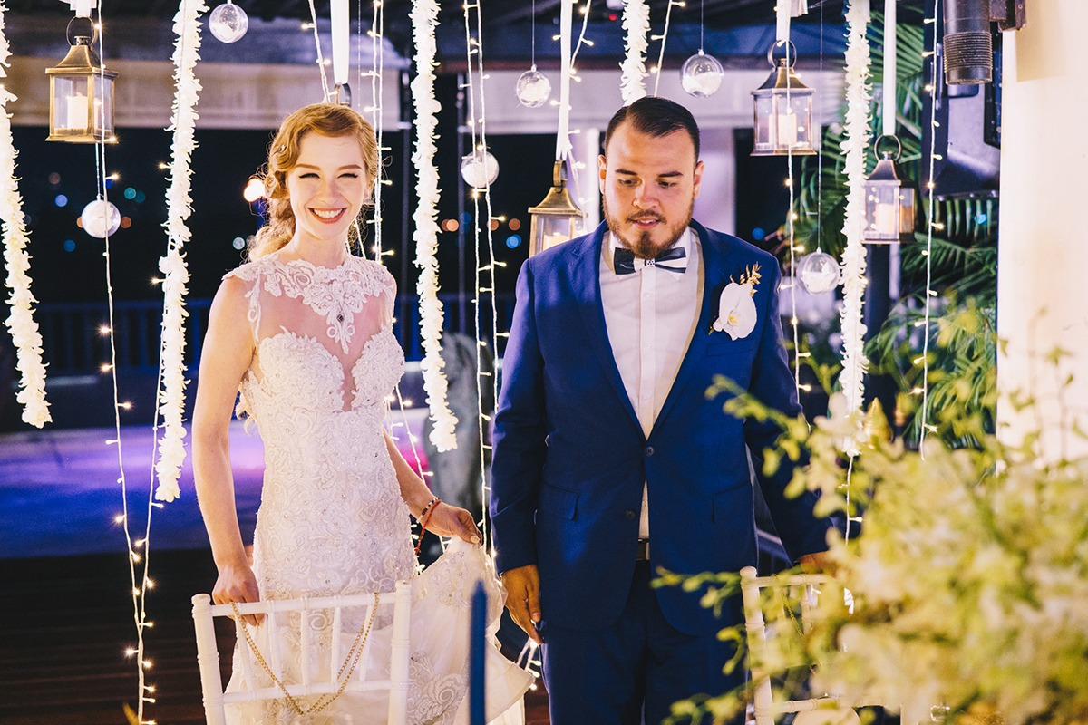 Romantic navy and gold wedding in Thailand