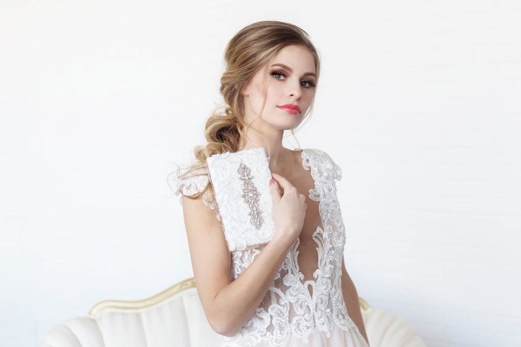 Unique and one of a kind bridal clutches by Cloe Noel