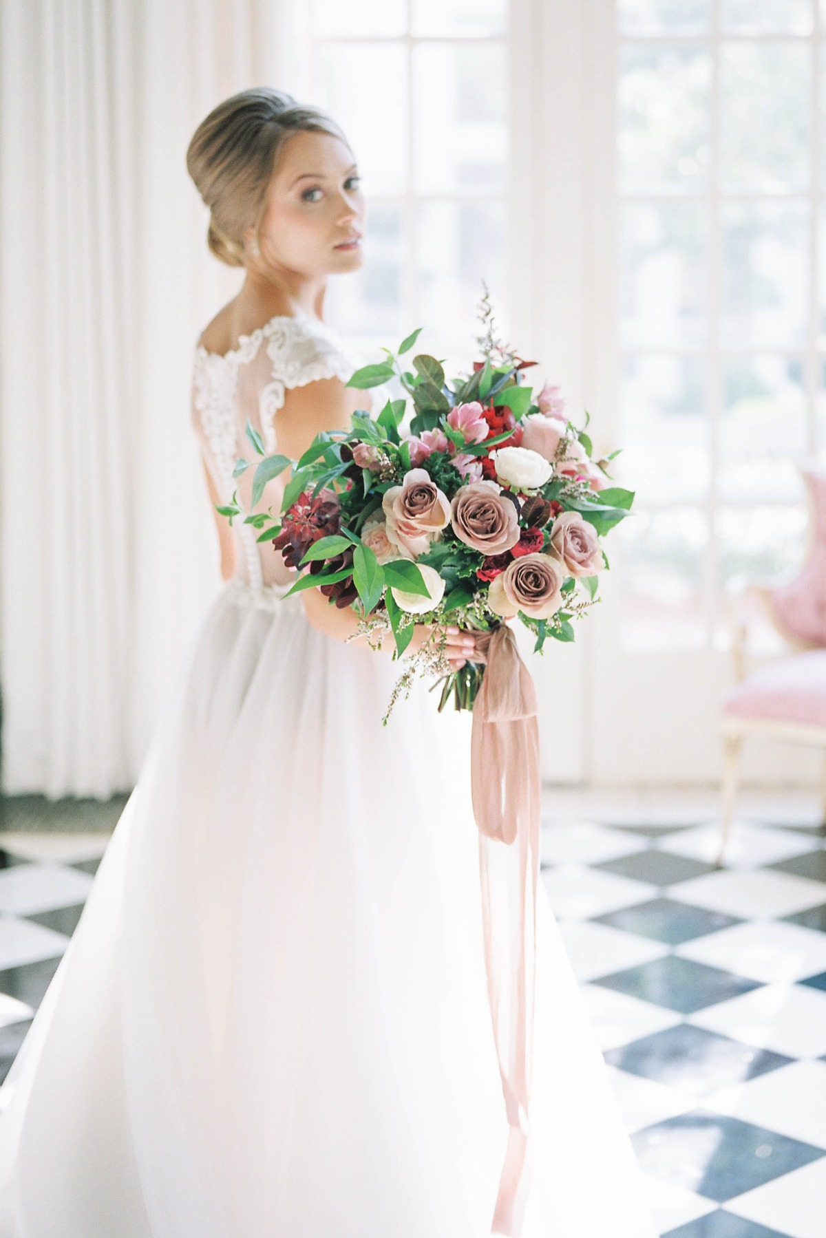 vintage style wedding bouquet in pink