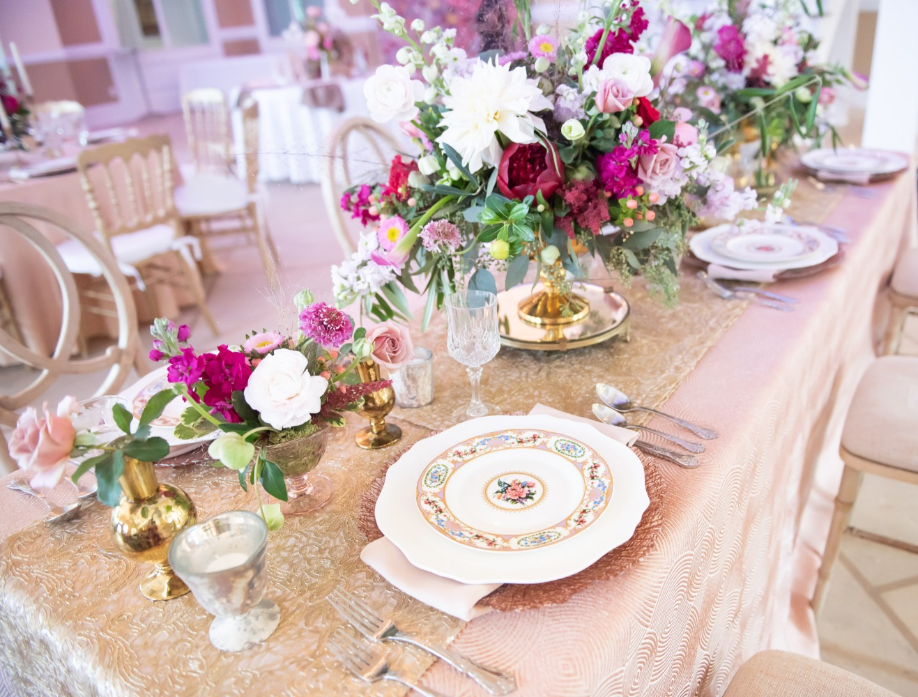 romantic pink and gold wedding table