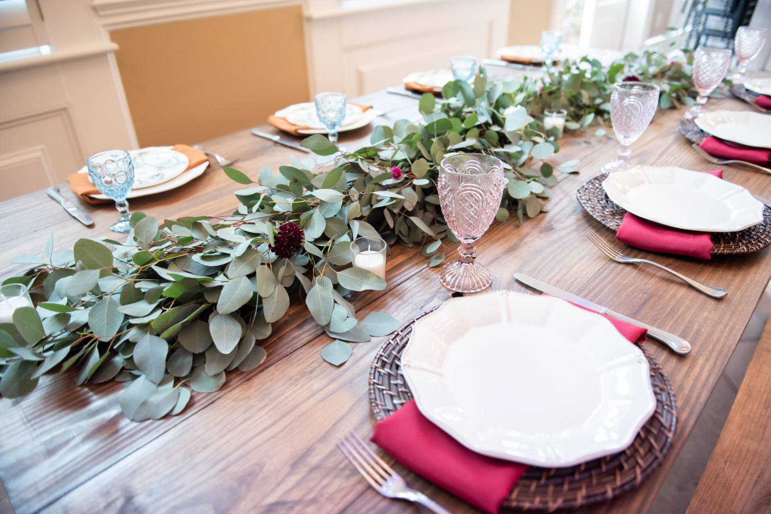 wedding table decor with eucalyptus garland