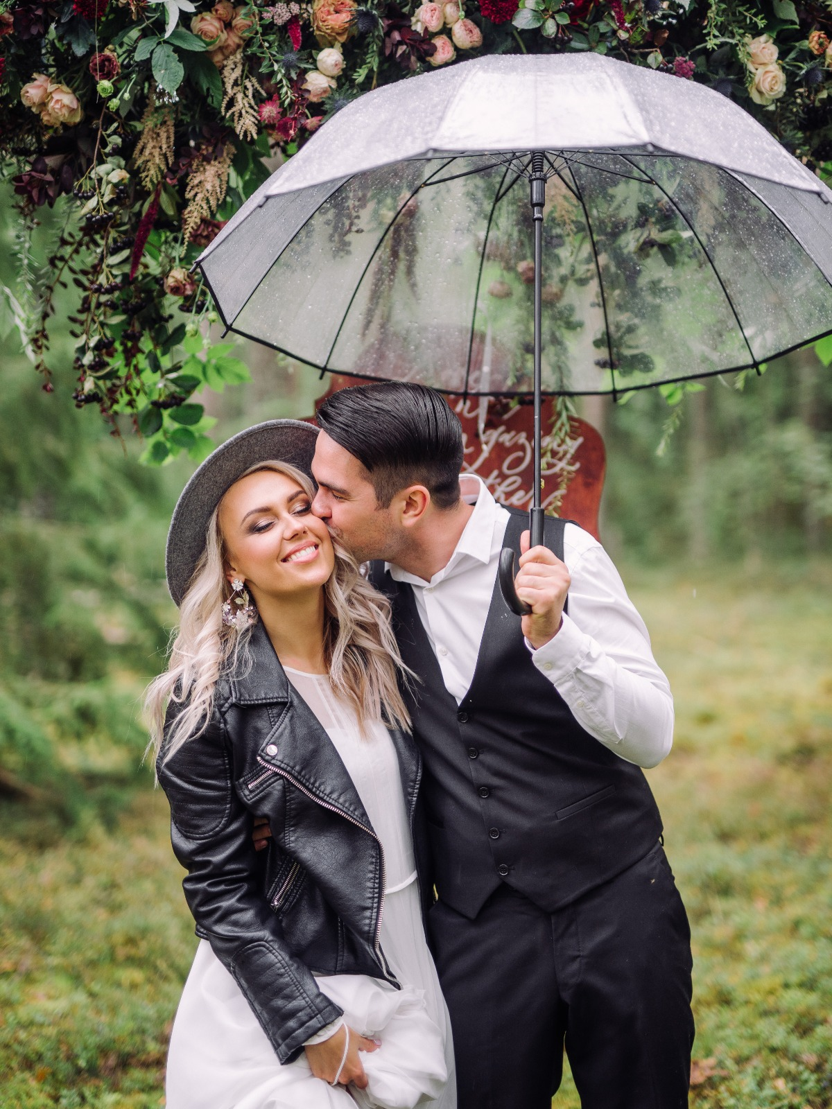 cute and candid rainy day wedding photos
