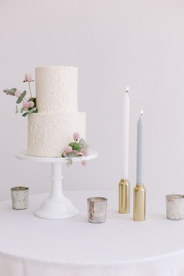 Light and Chic Autumn Wedding Inspiration