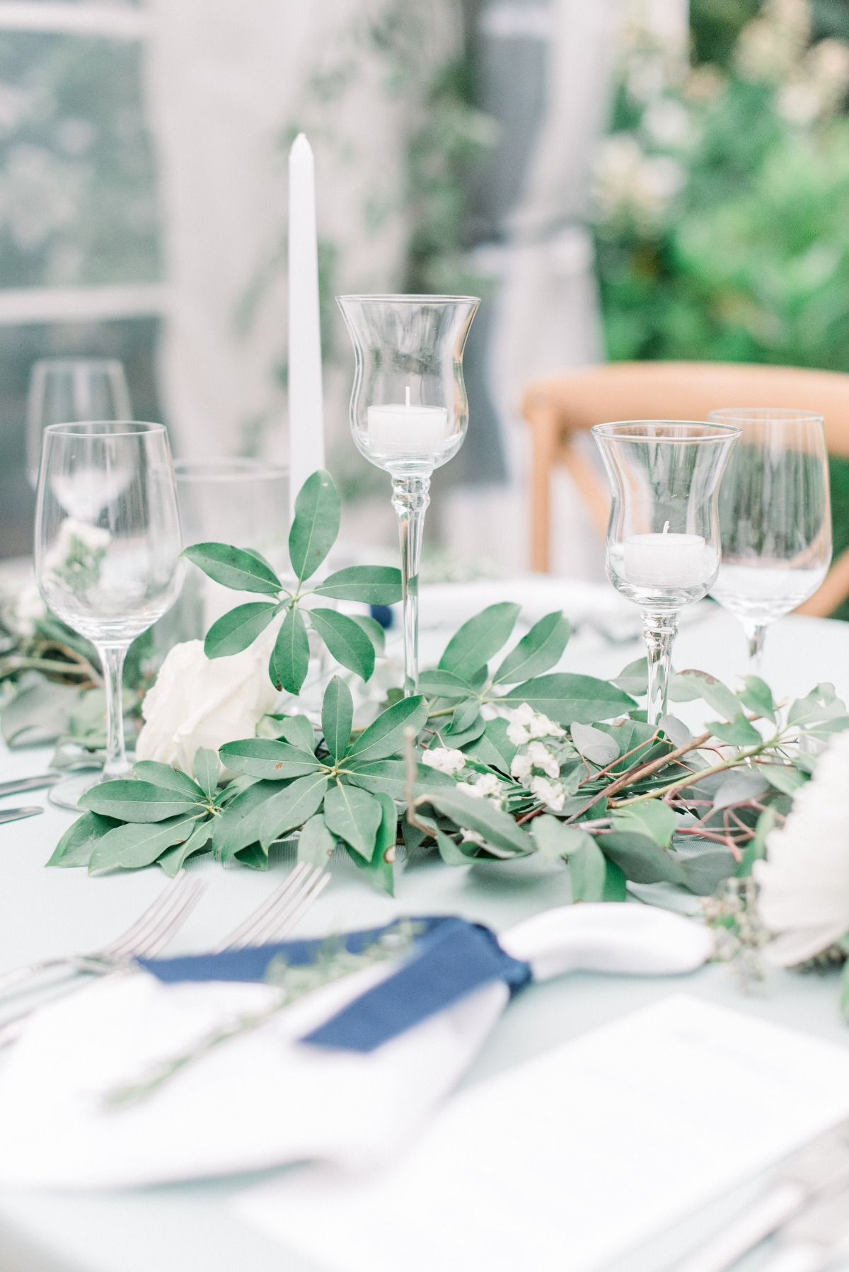 soft green and white wedding table
