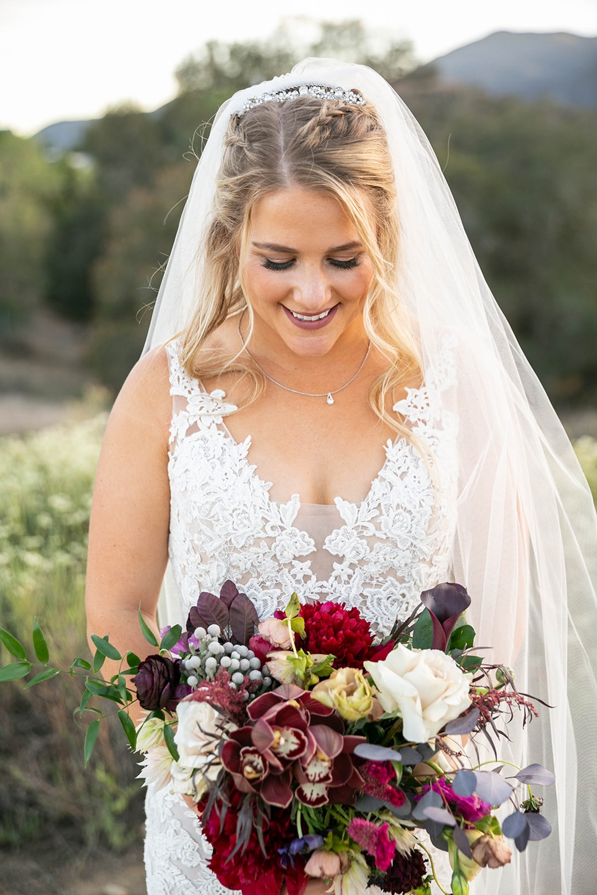 classic bridal style and Fall inspired bouquet