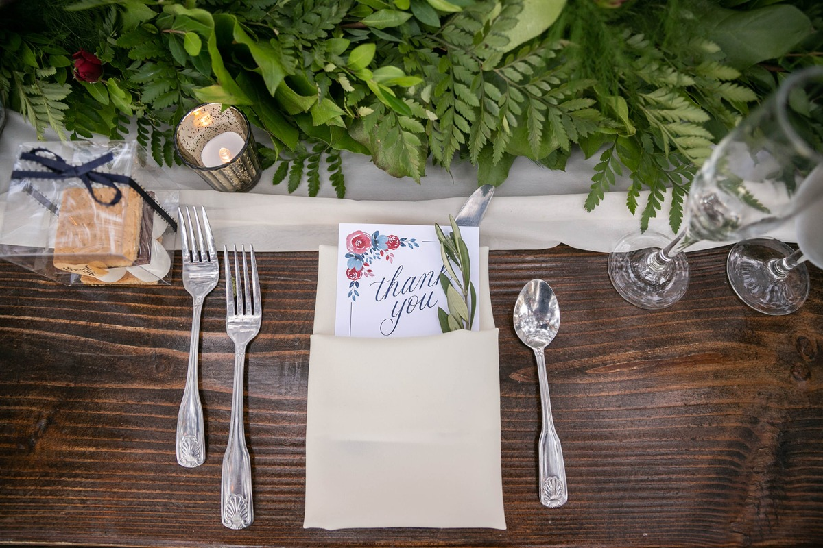 sweet thank you note at each place setting