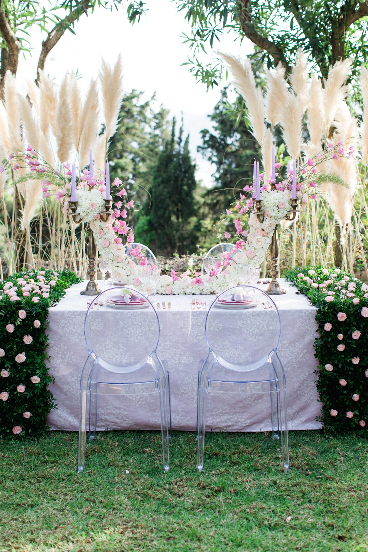 romantic wedding sweetheart table
