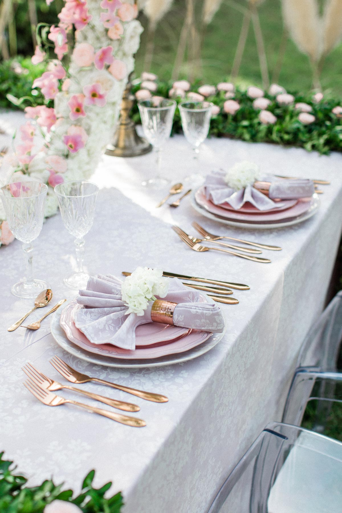vintage glam inspired wedding place setting