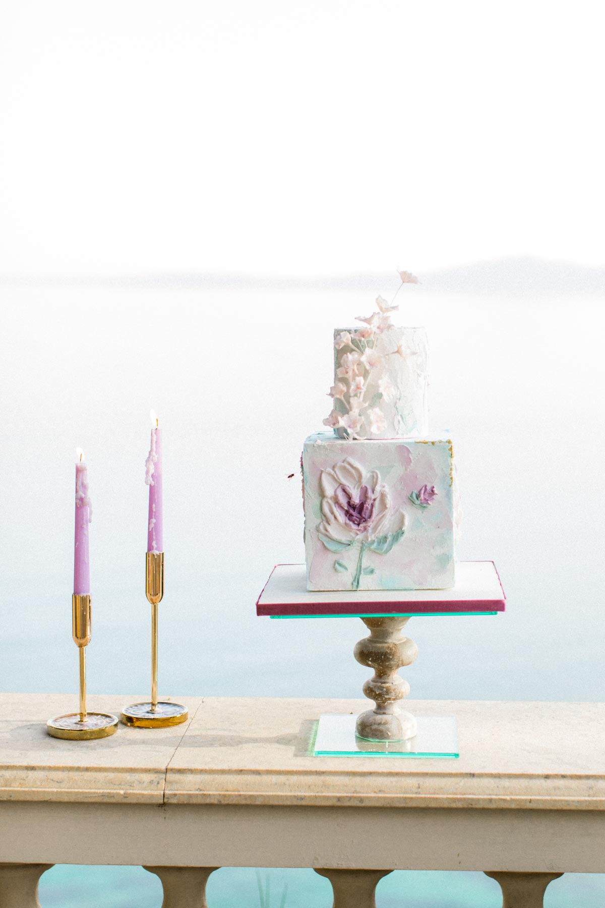 modern chic wedding cake