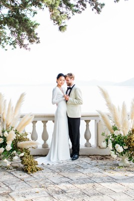 A Vintage Chic James Bond Wedding In Greece