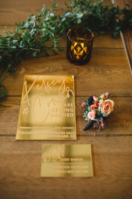 A Fall Vineyard Wedding That Is Both Modern And Cozy