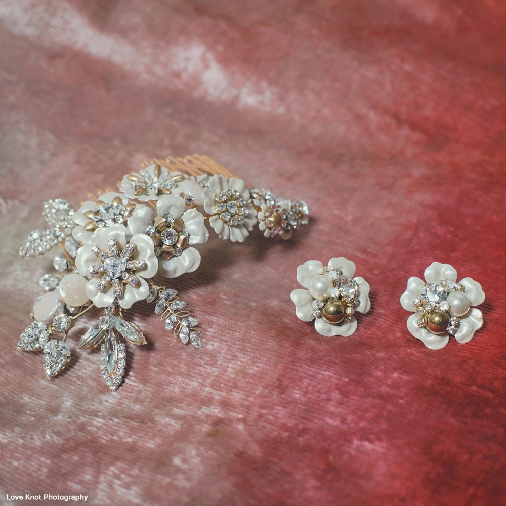 Always accessorize. Defining jewelry & accessories for weddings & occasions. Everything you desire, after the dress. Hair