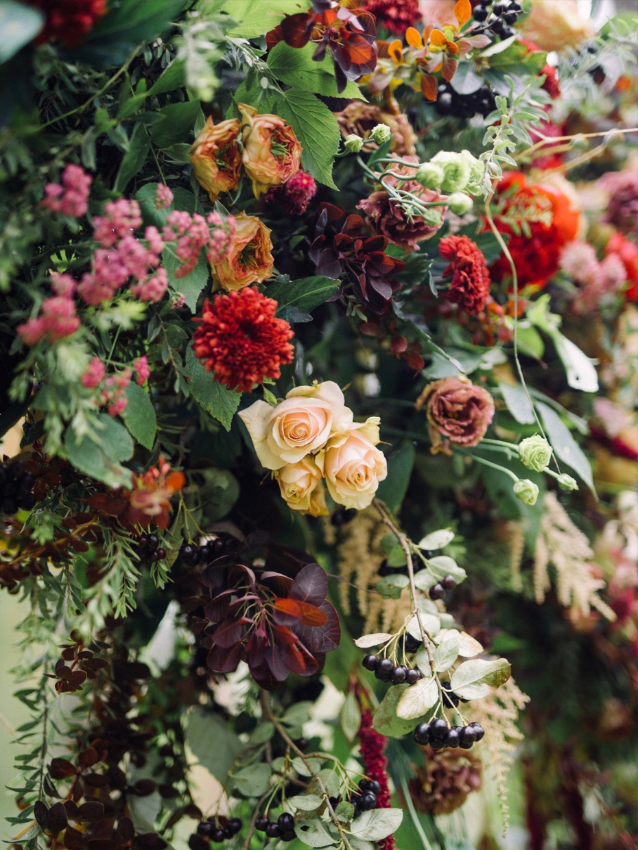 mismatched wedding flower decor