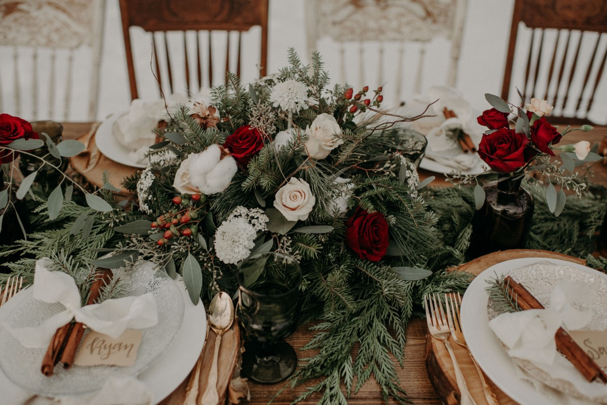 holiday themed wedding table decor
