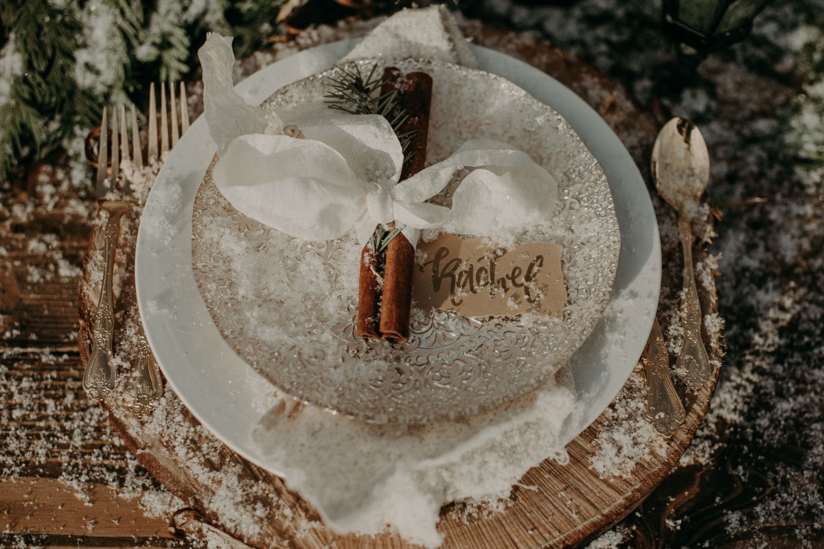 snow day place setting for your holiday wedding